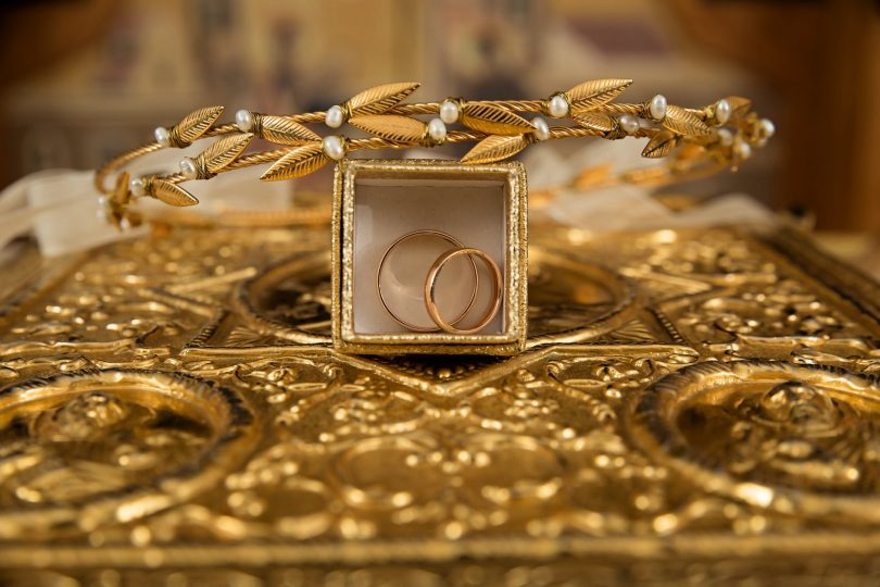 The new model available in gold jewelry
