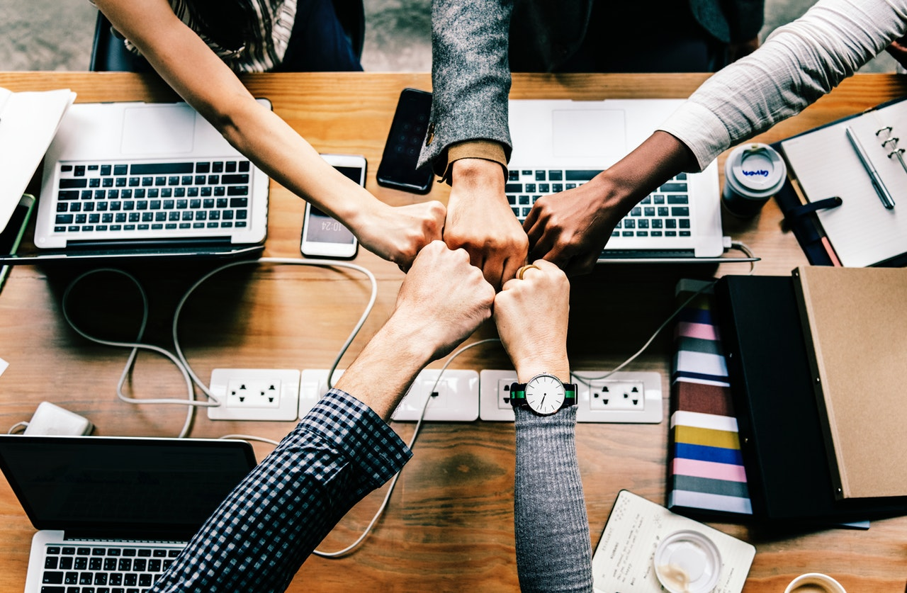 How to successfully manage a large team