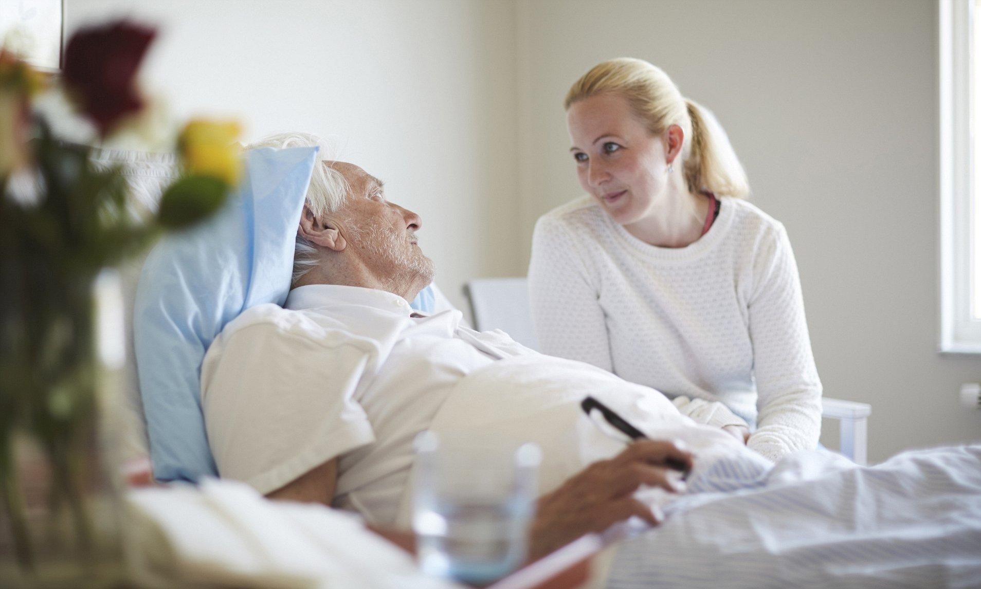 How to Care for a Bedridden Patient - Things You Need to Know