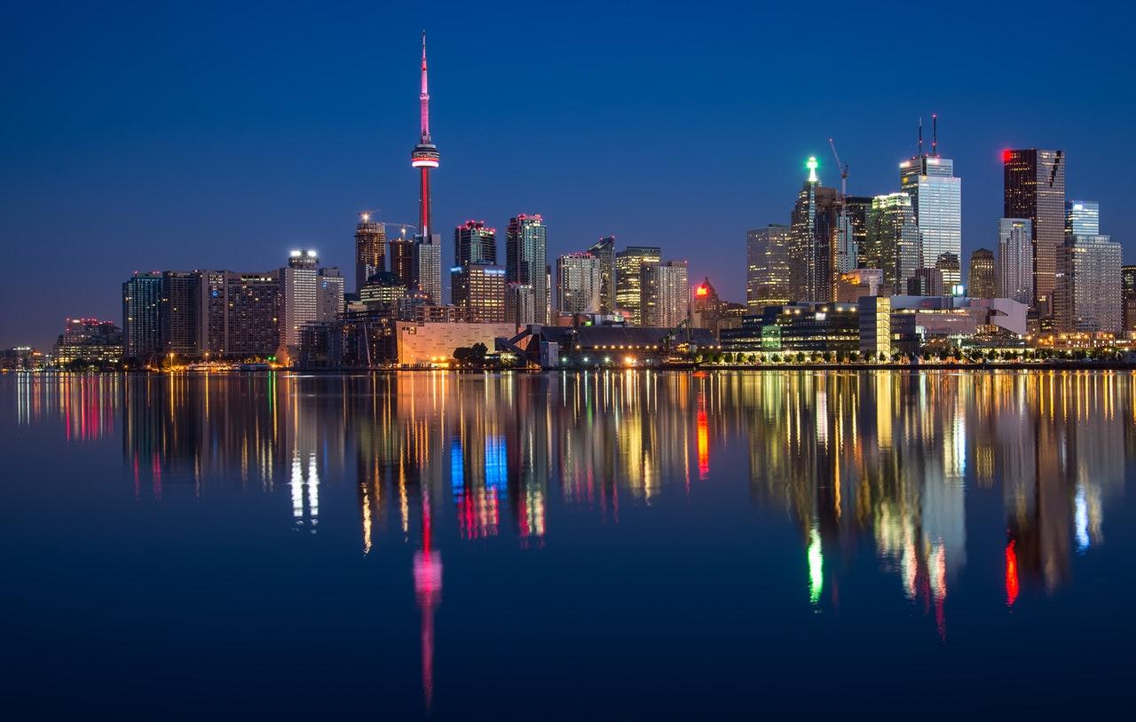 4 Reasons to Visit Toronto This Spring