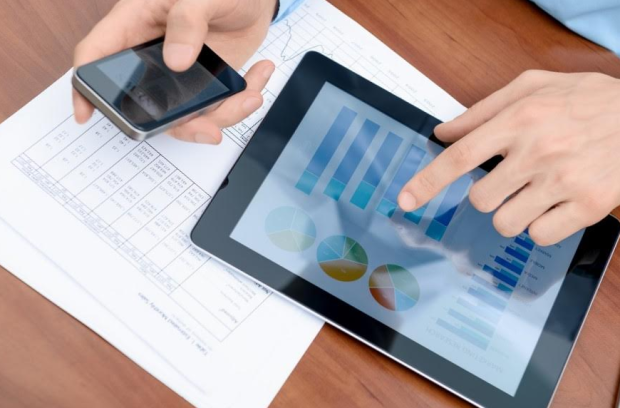 WHAT TO INTEGRATE INTO A MOBILE APP TO BOOST BUSINESS REVENUE