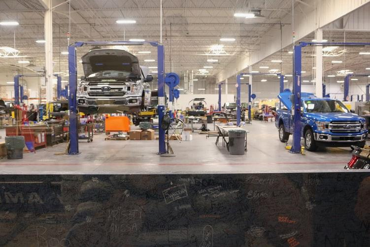 6 Common Applications of Robots In the Automotive Industry