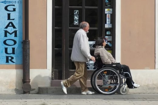 5 MUST HAVE PRODUCTS FOR ELDERLY DISABLED PEOPLE