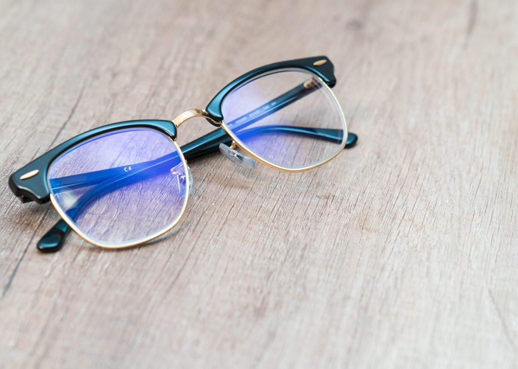 Benefits of wearing Blue light blocking glasses