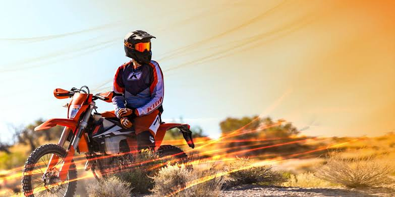 Top 3 Pieces of Women's Dirtbike Riding Gear