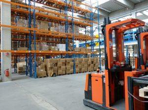 6 Ways to Track Warehouse Efficiency & Productivity