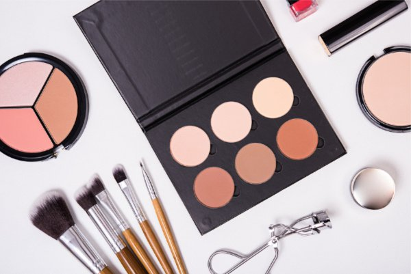 Every Girl's Make-Up Kit Must-Haves