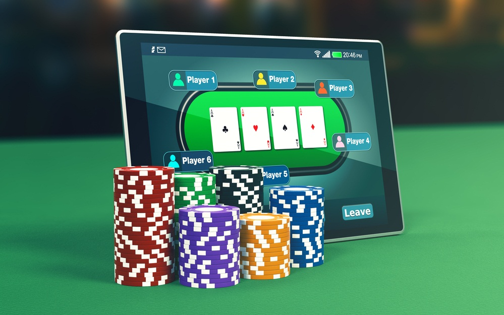 Gains Poker Experiences By Playing Online Poker Game | Chat-Black-White