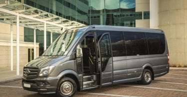 What Are Some of the Benefits of Renting a Minibus?