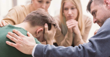 5 Signs That Someone Is Denying Addiction